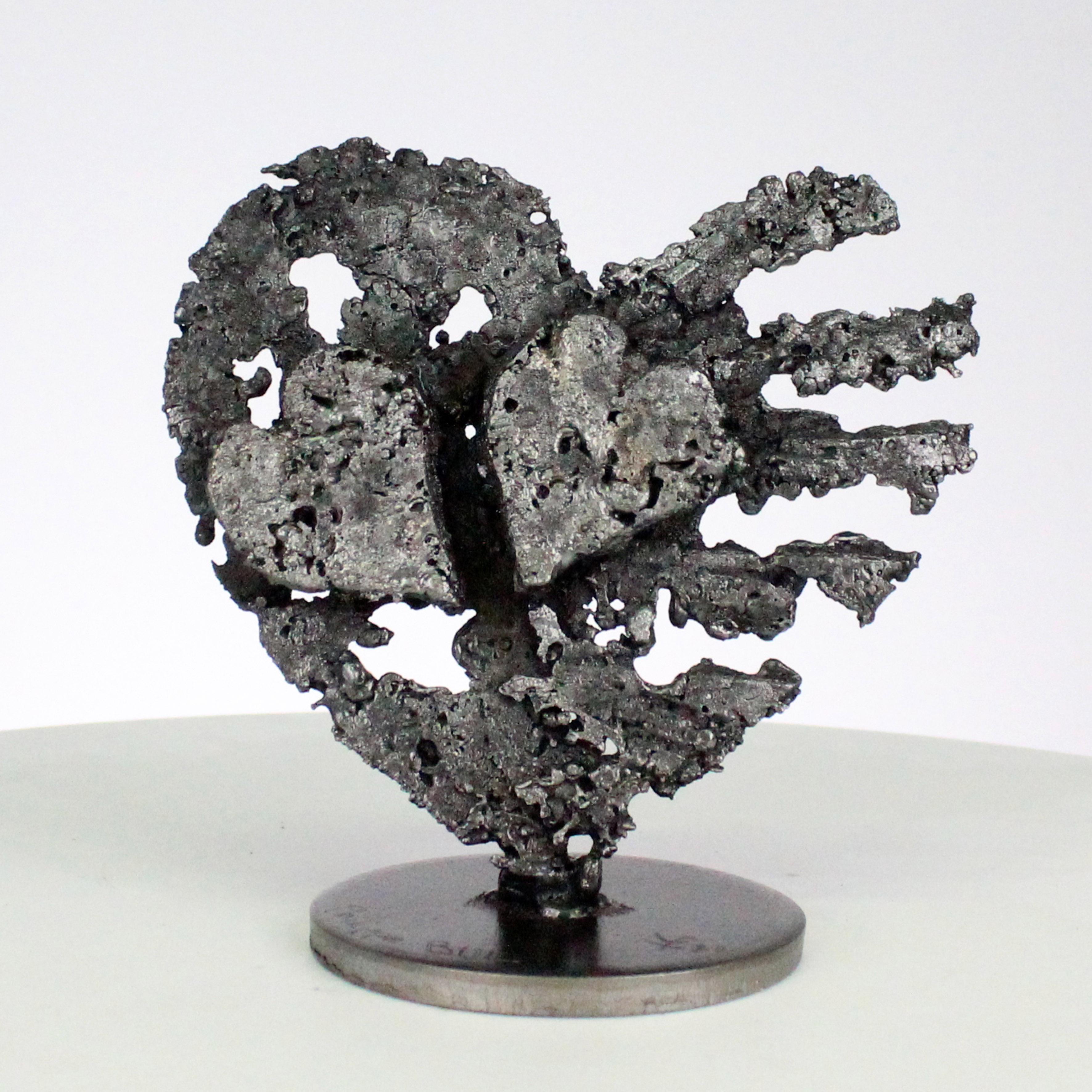 De coeurs sur coeur - Sculpture coeurs acier sur coeur métal - hearts steel metal sculpture - Philippe Buil
