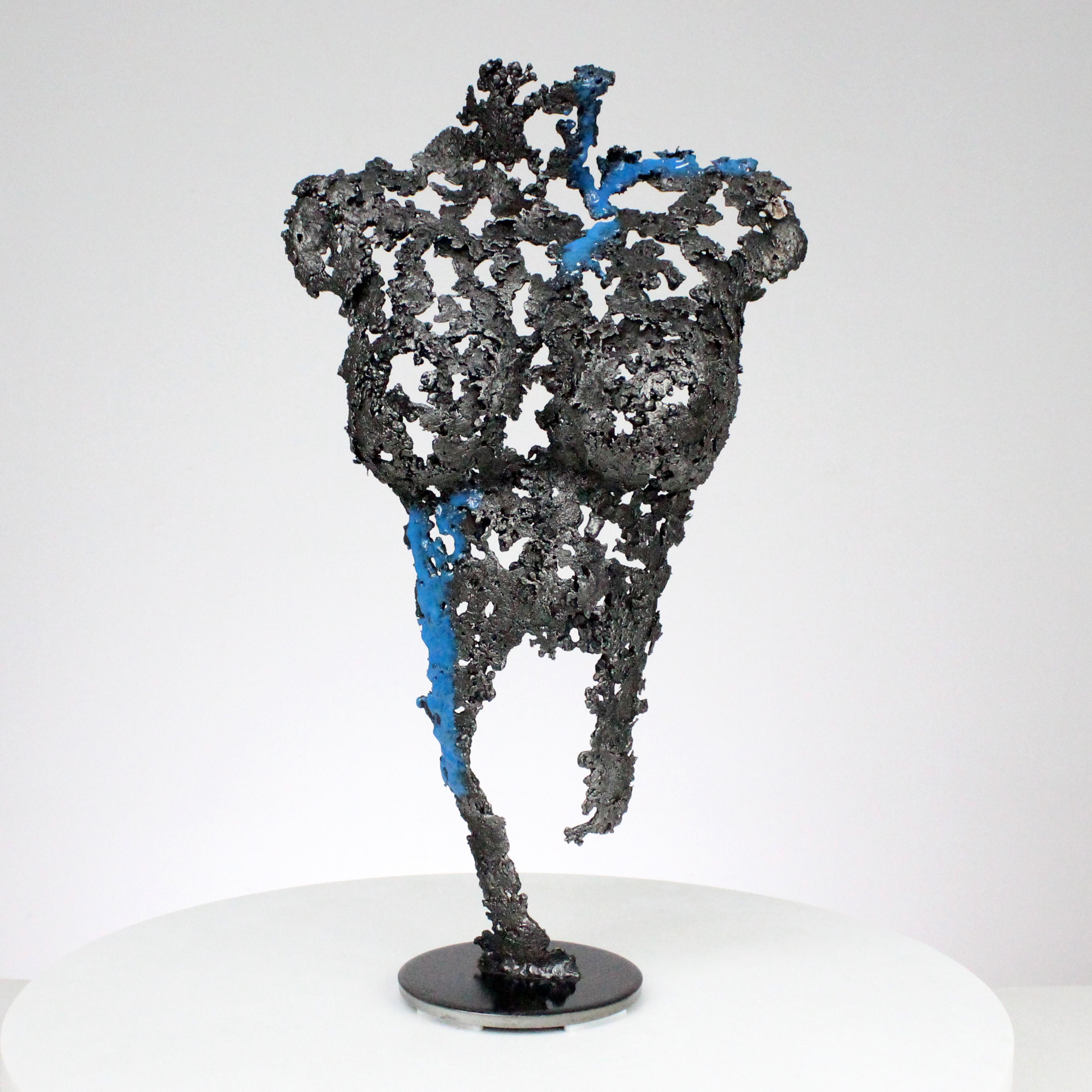 Pavarti soupir - Sculpture corps femme métal dentelle acier pigment bleu - Pavarti sigh - Woman body sculpture in metal lace steel pigment blue philippe buil